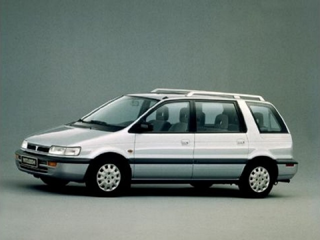 Mitsubishi Space Wagon 1992 - 1997